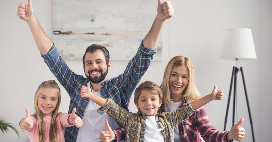 familia unida y feliz